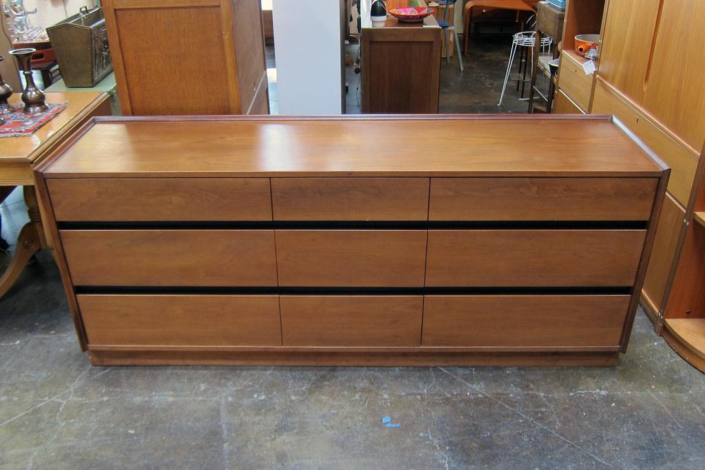Dillingham Esprit 9 Drawer Walnut Lowboy Dresser (Sheep Chase Vintage)  Tags: Wood