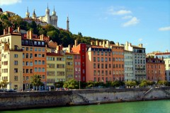 LYON, LES QUAIS DE LA SAÔNE ET FOURVIERE (Gilles Poyet photographies) Tags: lyon rhône soe autofocus fourvière rhônealpes lasaône aplusphoto artofimages rememberthatmomentlevel4 rememberthatmomentlevel1 rememberthatmomentlevel2 rememberthatmomentlevel5 rememberthatmomentlevel6 lesquaisdelasaône