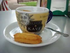 Caffe Liscio (maxrevellation) Tags: coffee espresso biscuit valdagno vicenza veneto italia italy cafe caffe street streetphotograpy