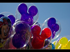 Ears A Bouquet (DugJax) Tags: balloon waltdisneyworld magickingdom mickeyears mainstreetusa ef24105mmf4lisusm canonrebelt2i