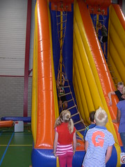 "zomerspelen 2013 Adventurepark • <a style=""font-size:0.8em;"" href=""http://www.flickr.com/photos/125345099@N08/14407274095/"" target=""_blank"">View on Flickr</a>"