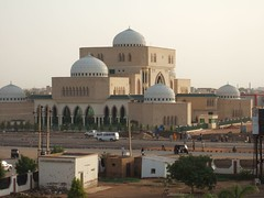 "khartoum mosque • <a style=""font-size:0.8em;"" href=""http://www.flickr.com/photos/62781643@N08/14810657980/"" target=""_blank"">View on Flickr</a>"