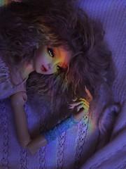 Harmonia (UMBRA-GULABA (Instagram: umbra_gulaba)) Tags: stilllife rainbow doll dolls refraction abjd refractedlight balljointeddoll prims angellstudio angellstudiokana bjdfotos vidamuerta stillligth