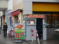 "Alter Fotoautomat in Berlin (BarHil_BS) Tags: fotoautomat photoautomat ""old photo booth"" photomaton cultobject nostalgia snapshot photostrip retrocharm"