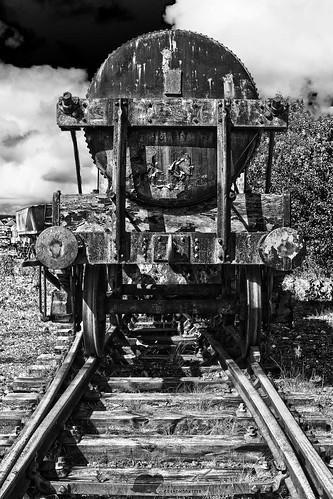 Dunaskin Engine - B&W