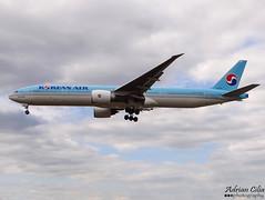 Korean Air --- Boeing 777-300ER --- HL7783 (Drinu C) Tags: plane heathrow aircraft sony boeing 777 dsc lhr koreanair egll hl7783 hx100v adrianciliaphotography