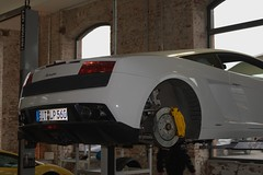 white Lamborghini Gallardo LP 560-4 - BIT-LP560 (Transaxle (alias Toprope)) Tags: auto white cars sports beauty car sport amazing nikon power frankfurt super voiture special exotic coche soul stadt carros lp carro autos sporting powerful lamborghini macchina exclusive supercar coches frankfurtammain gallardo sportscar frankfurtmain voitures toprope exotics supercars supersport lambo 560 ffm macchine superbe klassik sportcars midship midengine runabouts 5604 rmr lp560 midmounted klassikstadt rearmidship midshipengine rearmidshiprunabouts centralengine midshiprunabouts bitlp560