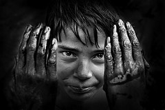 Face off (Rk Rao) Tags: india dedication canon blackwhite hands perfect delhi faith icon faceoff morningglory textured newdelhi masterpiece intresting intrestingness supershot morningcanon uniqueaward magicunicornmasterpiece intentionalexposure