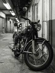 20140926_06_Royal Enfield (foxfoto_archives) Tags: white black monochrome rain bike japan night photoshop 35mm canon eos tokyo ginza blackwhite kiss f14 royal sigma snap adobe cycle motorcycle and 日本 東京 銀座 motor 56 dg enfield yurakucho lightroom 夜 x7 モノクロ 白黒 雨 バイク 有楽町 モーターサイクル スナップ モノクローム hsm a012 ロイヤル エンフィールド