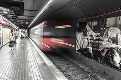 Metro Barcelona (Javillarroel) Tags: barcelona street city red people espaa white black contrast underground gente metro ciudad movimiento transporte