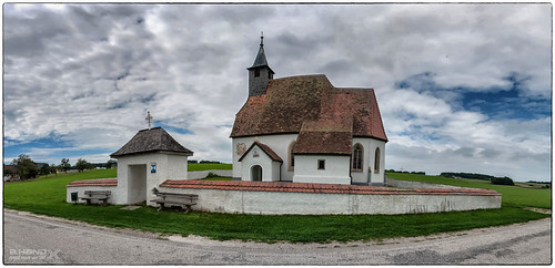 "Panorama des Kirchlein ""St. Martin"" bei  Kemating"