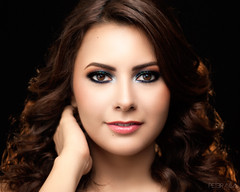 (ptr.alva) Tags: retrato gente people portrait beauty belleza mujer woman retouch retoque glitter brillo 50mm 18 peteralva