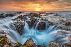 Pele's Well (Hilton Chen) Tags: longexposure tide peleswell kona sunset lavatube hawaii bigisland rocks kailuakona unitedstates us
