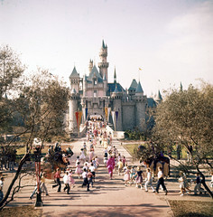 Sleeping Beauty Castle by Loomis Dean, 1955 (Tom Simpson) Tags: loomisdean vintage 1955 1950s disney disneyland vintagedisney vintagedisneyland sleepingbeautycastle sleepingbeautyscastle castle knight