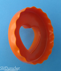 0403 BlueOrge Cookiecutter2 (SMD Photos) Tags: blue orange turquoise cookie cutter heart scallop macromondays