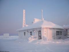 Summit of Kaunispää (03) | Saariselkä (Saariselka) Tags: saariselkä saariselänkeskusvaraamo saariselkabooking saariselkavillage saariselkalapland saariselkäbooking kaunispää saariselka snow snowyscenery snowylandscape kaunispaa kaunispäänhuippu summitofkaunispaa