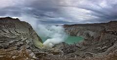 PAN Kawah Ijen (Jhaví) Tags: kawah ijen java indonesia southestasia nature explore landscape sunrise volcano volcán azufre gases smoke fumarola sky cráter asia