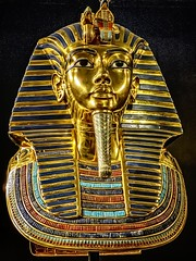 The famous gold death mask of King Tutankhamun New Kingdom 18th Dynasty Egypt 1332-1323 BCE (mharrsch) Tags: mask deathmask gravegoods gold pharaoh king ruler coffin tutankhamun burial tomb funerary 18thdynasty newkingdom egypt 14thcenturybce ancient discoveryofkingtut exhibit newyork mharrsch premierexhibits