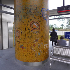 Concrete column at Richlands rail station covered with Aboriginal-themed mural (tanetahi) Tags: art mural column aboriginal richlands queenslandrailstation