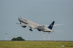 SKYTEAM By Air France [CDG] (Orekaman) Tags: 2014 boeing777 fgznn skyteambyairfrance