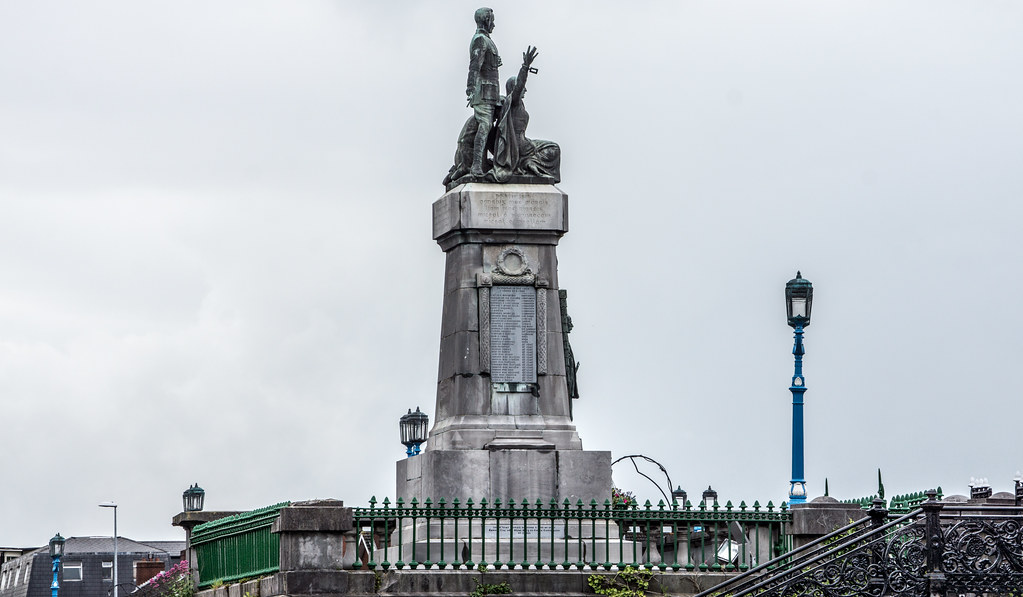 The Sarsfield Bridge Monument [which needs some maintenance] commemorates the 1916 Rising