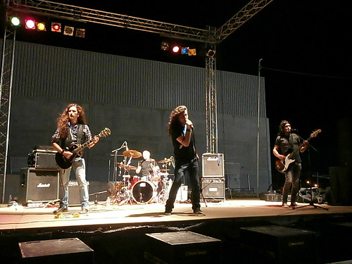 """Festival Solidario """"Goles y Rock"""" • <a style=""""font-size:0.8em;"""" href=""""http://www.flickr.com/photos/93117114@N03/14499090580/"""" target=""""_blank"""">View on Flickr</a>"""