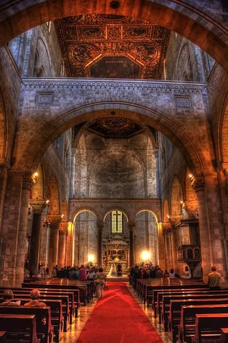 wedding italy basilica ceremony chiesa bari (Photo: frisch-luft.ch on Flickr)