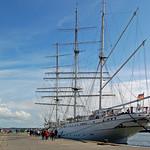 Segelschulschiff »Gorch Fock (1)« im Stralsunder Hafen vor Anker (2) thumbnail