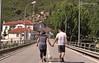 Mas fotos de la preboda de Jorge y Susana (Daniel Matellán Fotografia) Tags: wedding puente nikon pareja ella el fotografia ello novios caminando weddingphotographer portuga españaportugal d90 nikond90 elyella