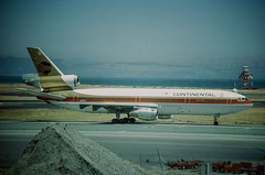 continental dc10.jpg (Martyn Cartledge / www.aspphotography.net) Tags: aerodrome aeroplane mcdonnell douglas dc10 air aircraft airline airliner airplane airport aviation civilairline civilairliner continental flight fly flying gold jet mcdonneldouglas n68052 plane runway sanfranciscosfo sfo transport uk aspphotography martyn cartledge boeing flywinglets