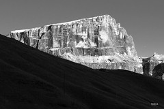 Sass Pordoi (Tobia Scandolara) Tags: sunset alps tramonto alpi sella trentino dolomites dolomiti altoadige tobia pordoi sasspordoi sellaronda gruppodelsella dolomia scandolara tobiascandolara
