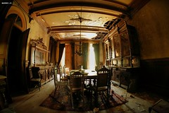 Dinning room - Manor Mansion (Nacho Labrador) Tags: decay palace urbanexploration dinningroom abandonment urbex abandonedmansion maisonabandonee territorioabandonado