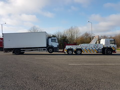 Picking Up 18 Ton Atego From Swansea West Services (JAMES2039) Tags: volvo fm12 tow towtruck truck lorry wrecker heavy underlift heavyunderlift 6wheeler 4wheeler frontsuspend ca02tow cardiff rescue breakdown ask askrecovery recovery mercedes merc atego axor swansea sevices