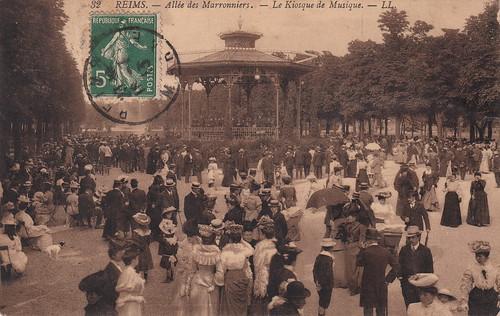 32. Reims. - Allée des Marronniers. - Le Kiosque de Musique. - LL (c.1908)