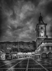 Brasov by night - bw2 (George Nutulescu) Tags: brasov building buildings city council councilsquare councilhouse bw black romania