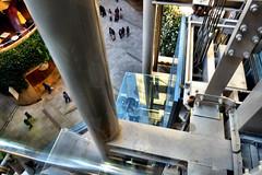 Namba Parks, Osaka (jtabn99) Tags: namba parks elevator osaka japan nippon nihon shop glass window reflection 20170402 大阪 なんばパークス 日本 反射 窓硝子