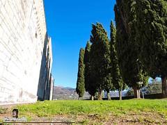 BARGA - VIVENDO A LUCCA - DUOMO DI SAN CRISTOFORO (120) (Viaggiando in Toscana) Tags: vivendoaluccait viaggiandointoscanait barga lucca duomo di san cristoforo