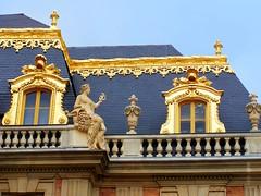 Golden roof? :) (mmalinov116) Tags: париж france paris palace roof gold versailles building architecture château îledefrance версай дворец франция покрив злато louis xiv