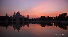 Kolkata (Rolandito.) Tags: india inde indien kolkata calcutta victoria queen monujment white vuilding sunset building bengal west hall
