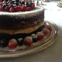 naked cake @veravilleladoces (VERA VILLELA DOCES) Tags: veravilleladoces nakedcake festas aniversarios bolosdecorados bolos marzipan chocoalte