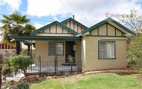 8 Raglan Street, South Bathurst NSW 2795