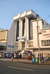 Bank of India Indonesia (Everyone Sinks Starco (using album)) Tags: surabaya jawatimur eastjava building gedung architecture arsitektur toko shop