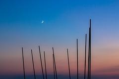 Croissant de lune (PhotobyVro) Tags: pink sunset shadow sea sky mer france beach beauty rose lune la soleil europe coucher atlantic sur vende atlantique faute astre fautesurmer