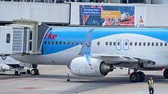 Boeing 737-8K5 PH-TFA Arke (WvB Photography - The Sky Is The Limit) Tags: amsterdam airplane airport pentax aviation w airline boeing tamron schiphol airliner airliners k5 winglets scimitar eham 18250 arke 7378k5 phtfa pentaxk5 weslyvb weslyvanbatenburg