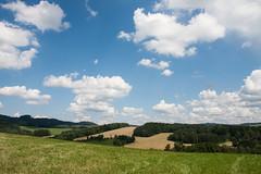 Zem esk, domov mj (Pepetka) Tags: sky grass landscape pole fields czechrepublic nebe krajina trva