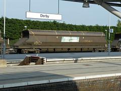 370555 Derby 160713 (Dan86401) Tags: wagon fl 370 coal hopper derby freight bogie freightliner flhh hxa heavyhaul 370555 4e56