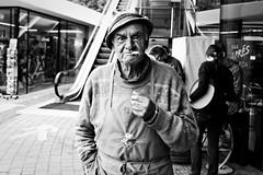 Toni de Ortisei - Gens de montagne (Paolo Pizzimenti) Tags: film montagne paolo olympus f18 zuiko italie dolomiti gens omd visage argentique altoadige valgardena em1 pellicule 17mm m43 mirrorless dosineau
