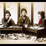 PRETTY PICTURE PAINTERS PAUSE FOR A POSE WHILE PAINTING PRECIOUS PHOTOGRAPHS thumbnail