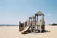 Brighton Beach (YL.H) Tags: nyc ny newyork film beach canon kodak slide analogy 500n 海灘 沙灘 底片 溜滑梯 colorplus 紐約 布魯克林