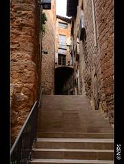 Carrer de l'Esglsia (PCB75) Tags: barcelona alley catalonia catalunya passage bages cardona catalogna katalonien escala catalogne carrer trencada passatge cobert graons gra nucliantic nuclihistric carrerdelesglsia